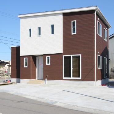戸出町五丁目分譲4号棟 外観イメージ ※掲載の外観は、図面を基にCGで描いたもので植栽・色・門扉・形状等実際とは異なります。
