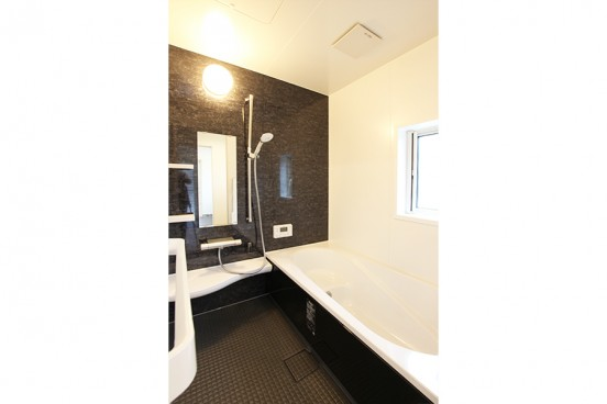 高岡市戸出町分譲4号棟 浴室